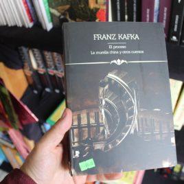 íconos literarios … El Proceso, La Muralla China Y Otros Cuentos – Franz Kafka … 381 páginas