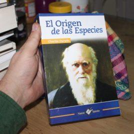 la origen de las especies … charles darwin … edición epoca … 693 páginas … la portada puede variar