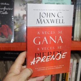 a veces se gana a veces se aprende … john c. maxwell … 229 páginas … portada roja