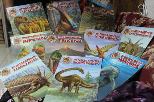 niños winbook dinosaurios gigante
